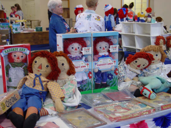 Raggedies For Sale ~ Raggedy Festival 2004 ~ Arcola, Illinois